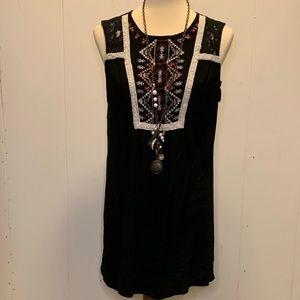 Xhilaration xxl sleeveless top with lace